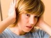 Làm gì nếu nước lọt vào tai khi tắm?