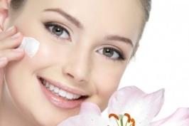 Các cách làm căng da mặt bằng tự nhiên tại nhà